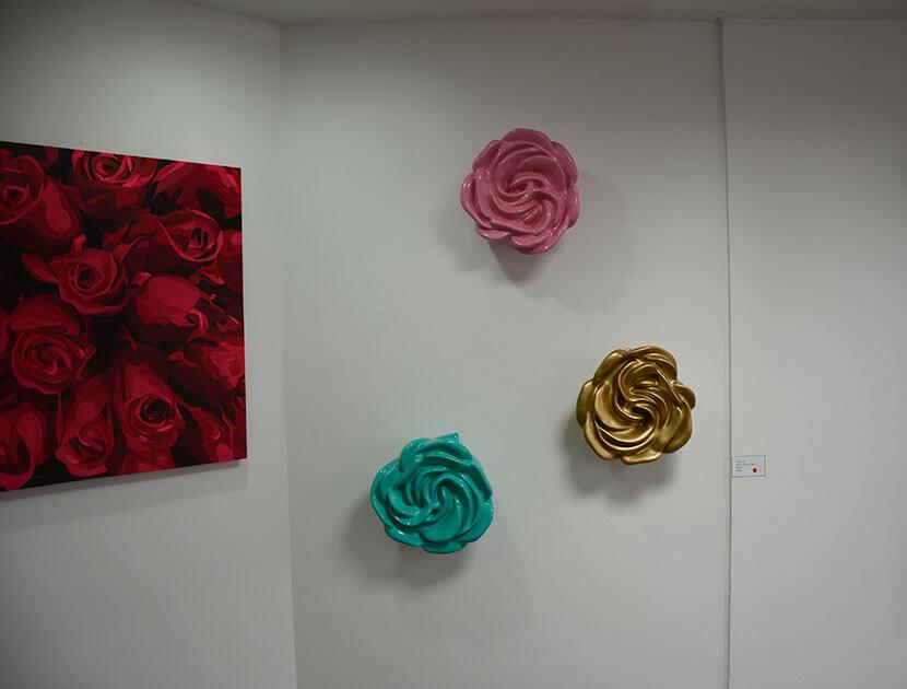 Esculturas en cerámica para pared. Piedad Tarazona